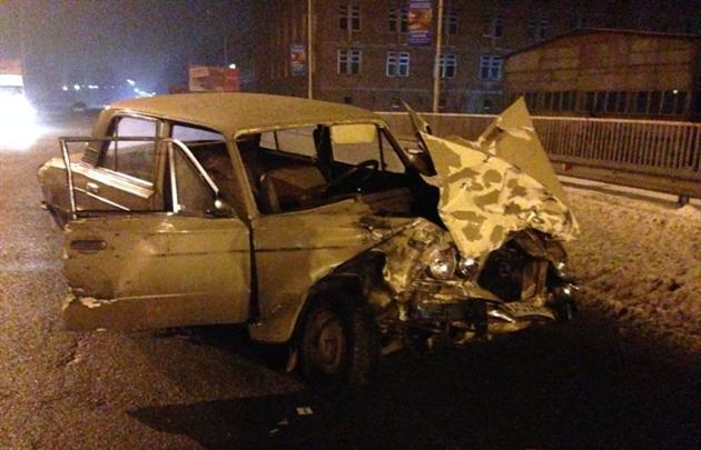 Разбитый ВАЗ-21063