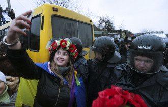 Автомайдан постоянно пикетирует резиденцию Януковича в Межигорье