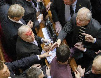 Рада принимала скандальные законы и бюджет с драками