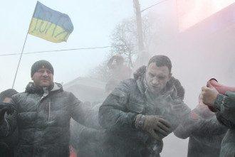 Виталий Кличко во время стычек в Киеве