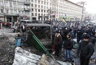 Баррикады протестующих на Грушевского