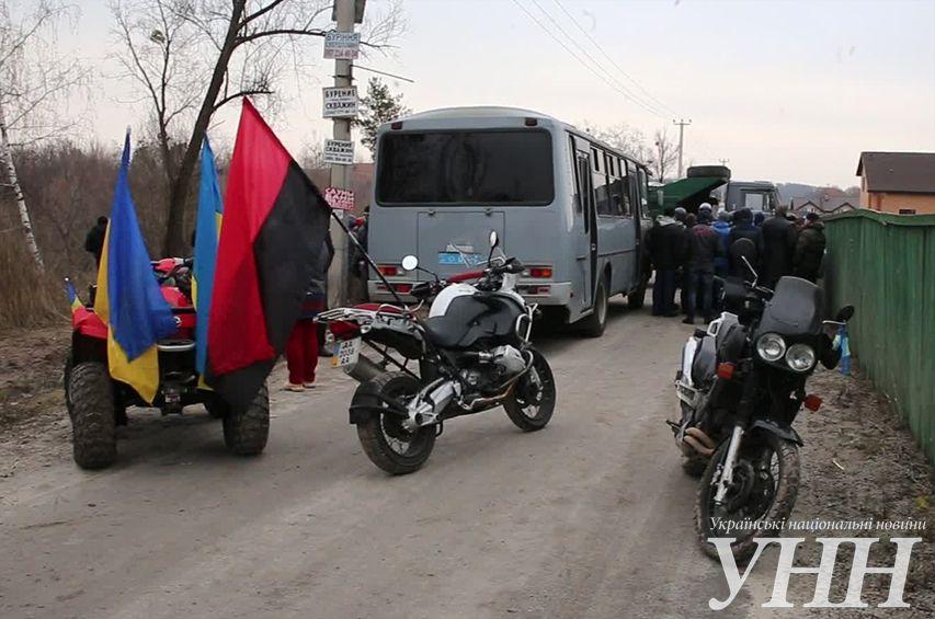 На въезде в село Гореничи