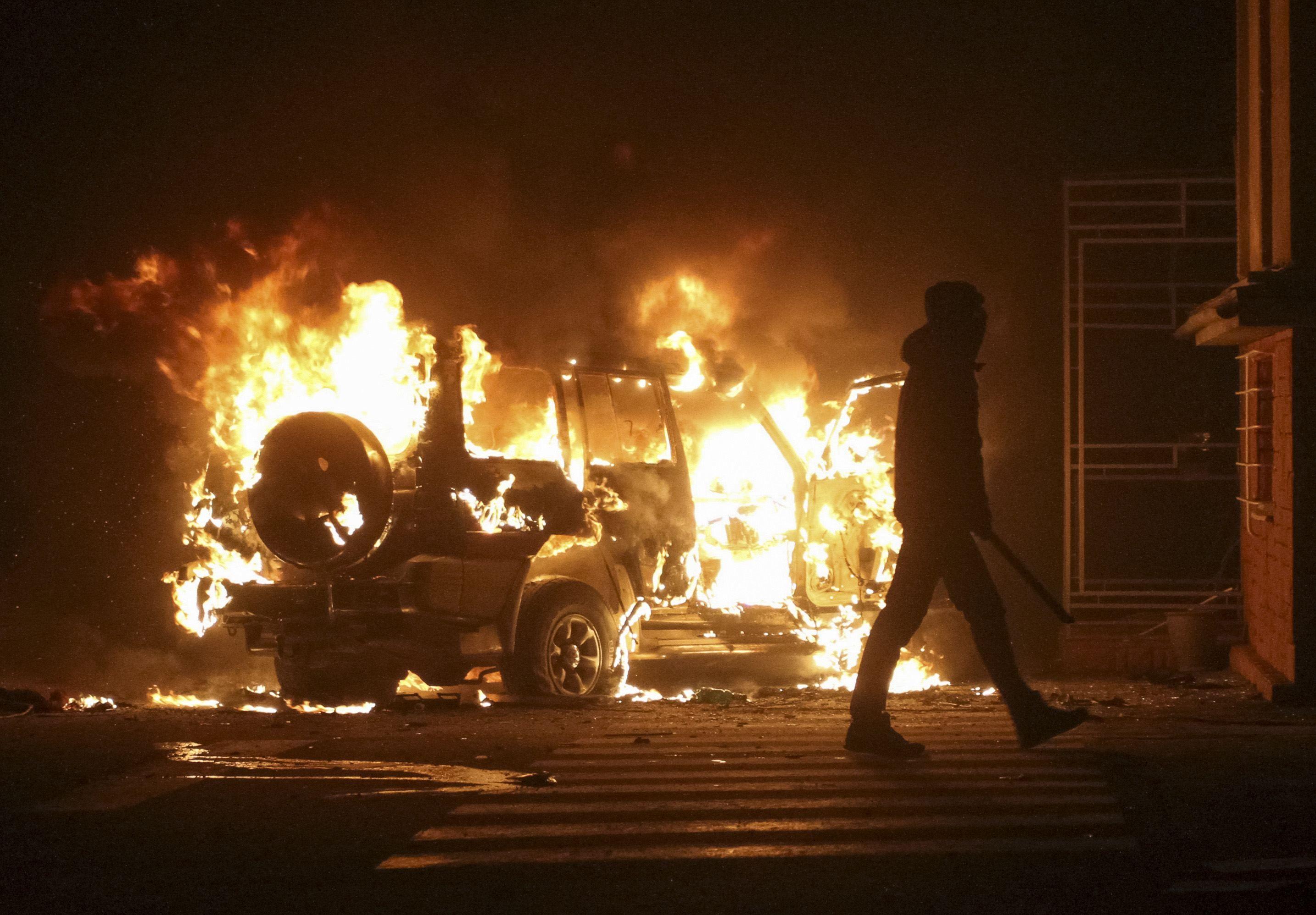 Активисты захватывают органы госвласти во Львове