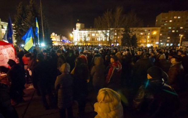 Площадь перед Житомирской ОГА