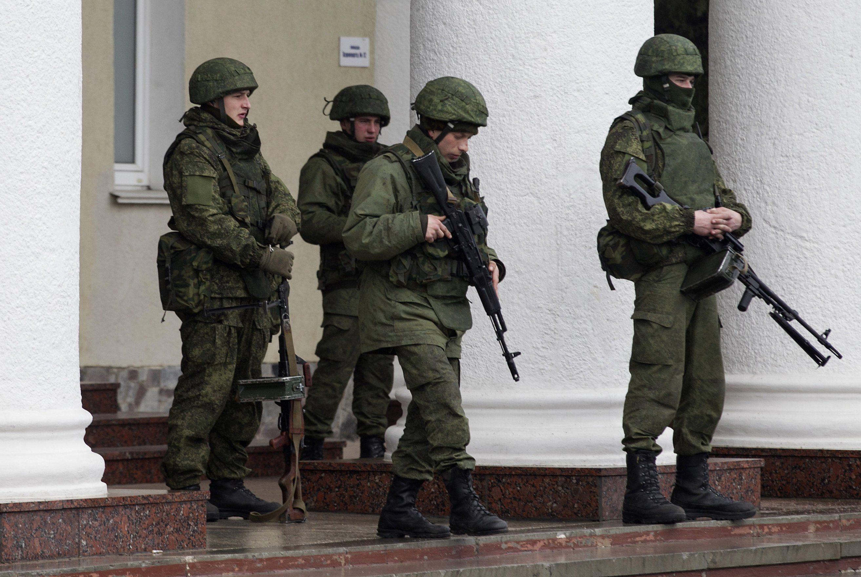 Ввод российских войск в украину, скрытой камерой жена отдается негру
