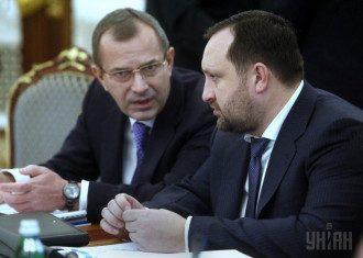 Андрей Клюев и Сергей Арбузов приехвали в Раду