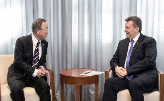Виктор Янукович и Пан Ги Мун