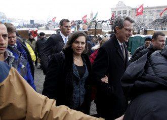 Виктория Нуланд на Майдане в Киеве