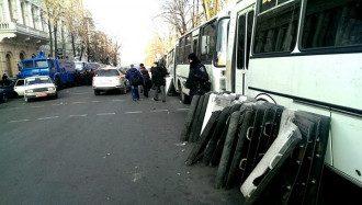 Солдаты ВВ у здания Рады, утро 21 февраля