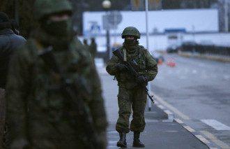 Крым заполонили российские военные