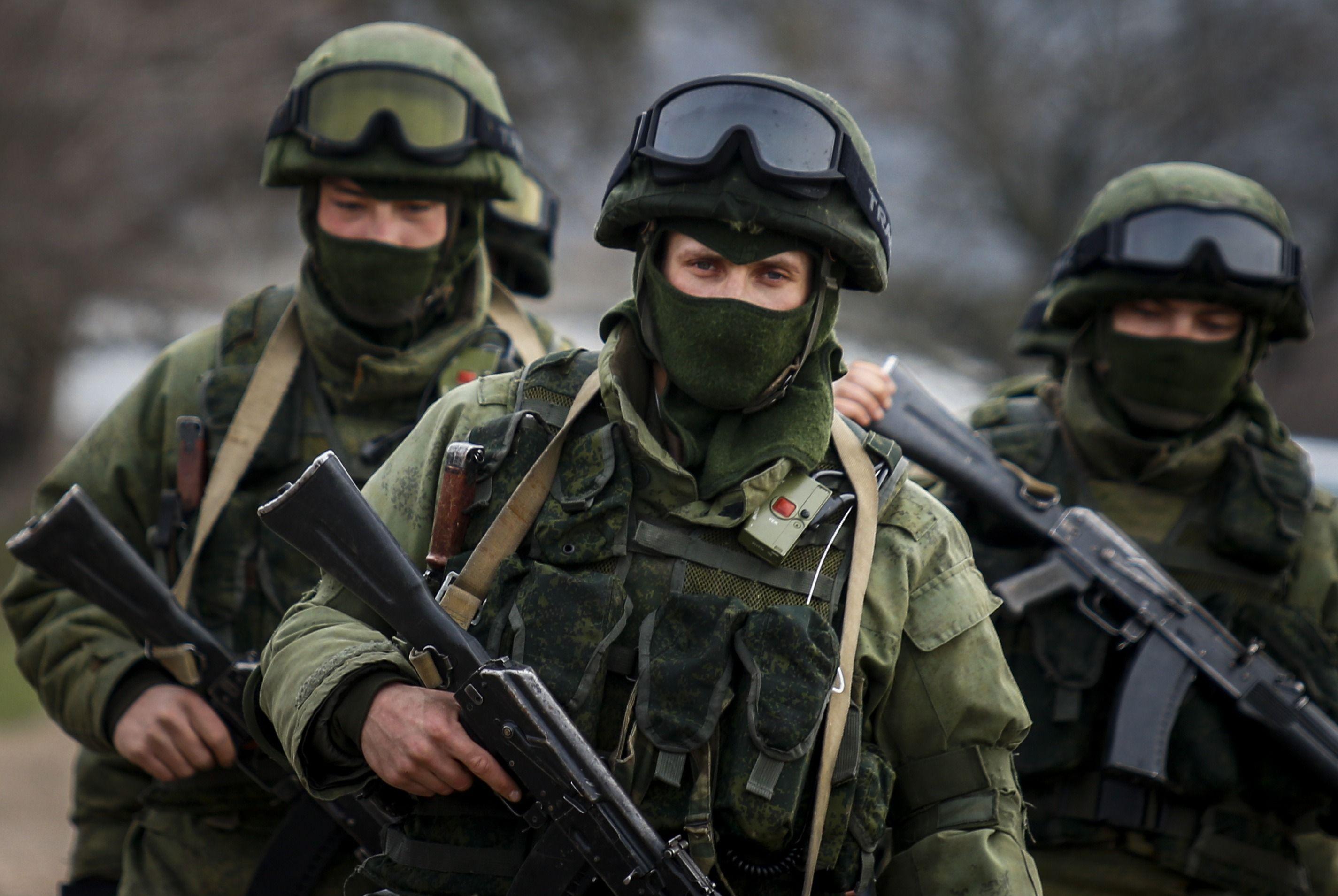 Крым наводнили русские солдаты