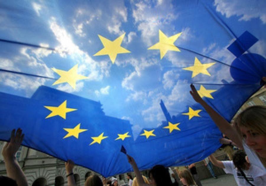 В бюджет ЕС заложены деньги на борьбу с пропагандой РФ, утверждают источники издания