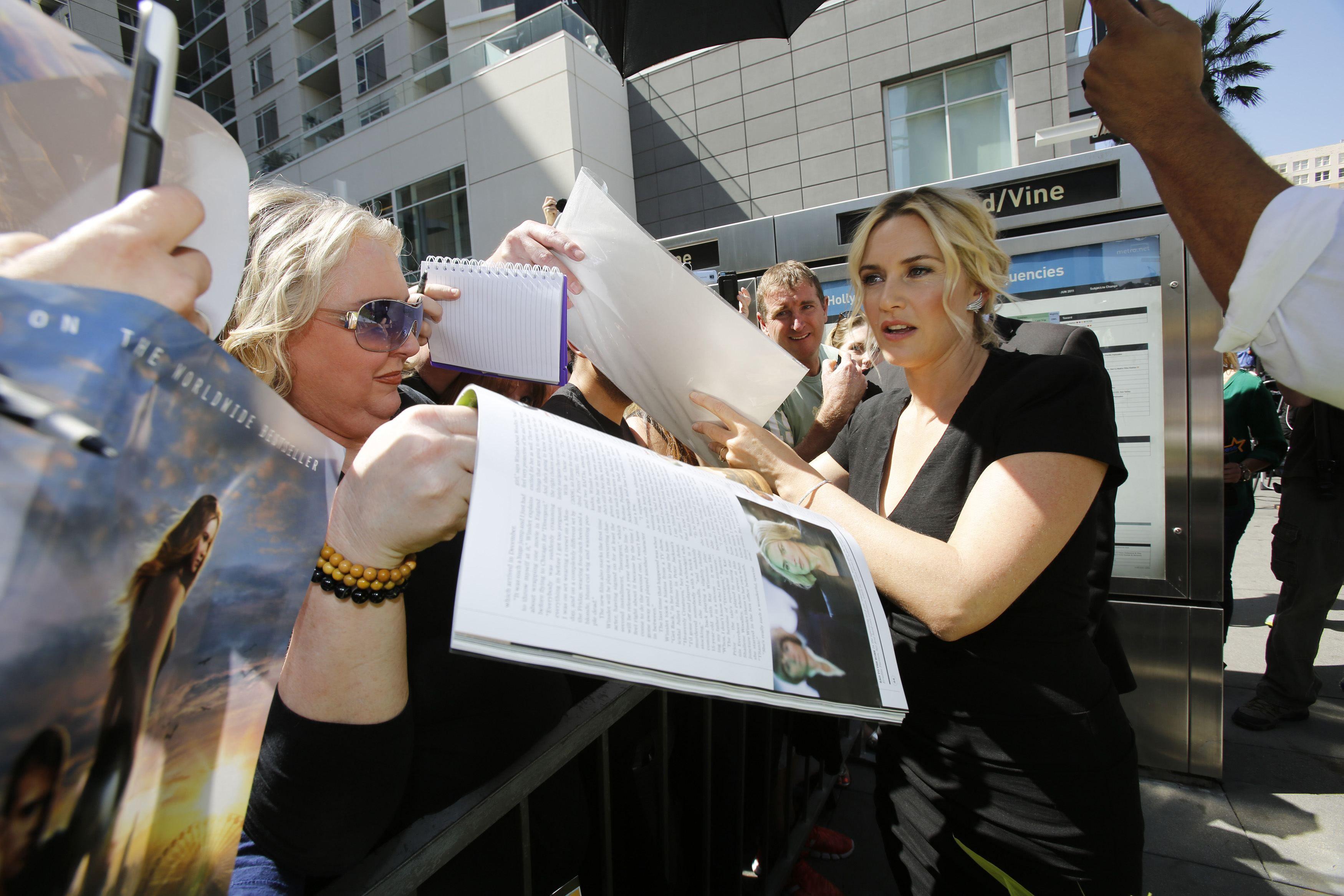 Кейт Уинслет удостоилась звезды на Аллее славы: опубликованы фото