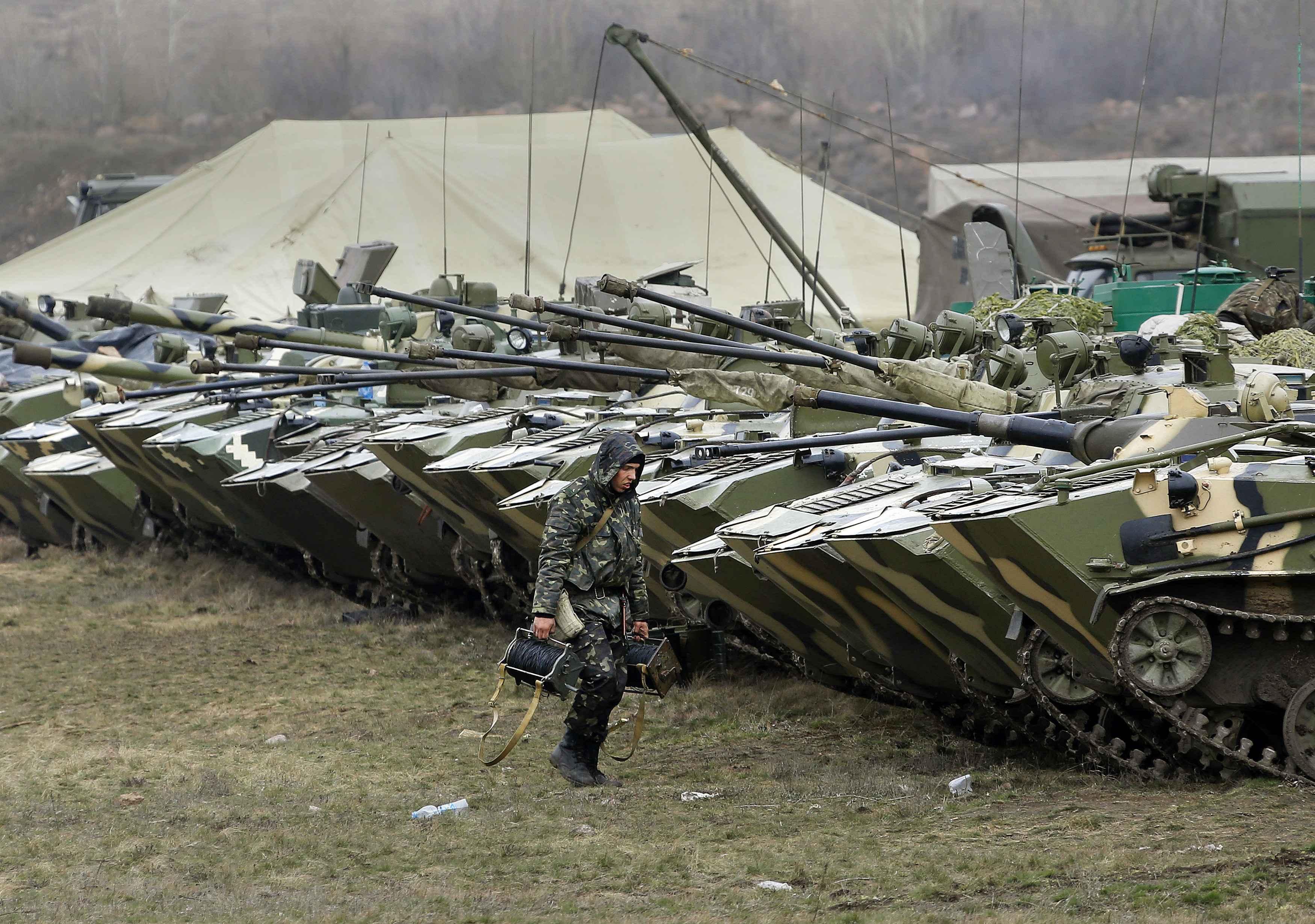 Украинские военные недалеко от границы с Россией