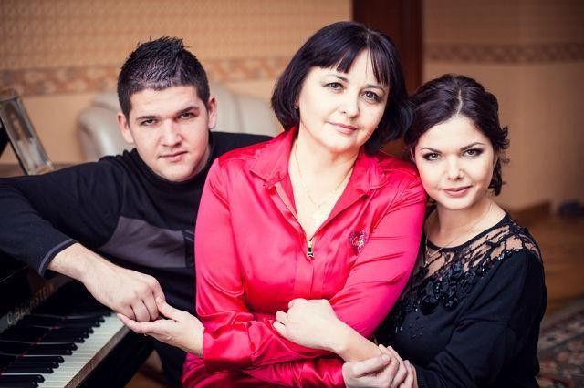 Алексей Куницын с матерью Галиной и сестрой Натальей