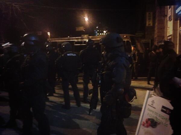 Силовики блокируют центр Киева