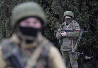 Вооруженные люди на улицах Симферополя