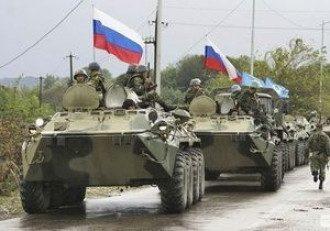 Россия накапливает у украинской границы военную технику