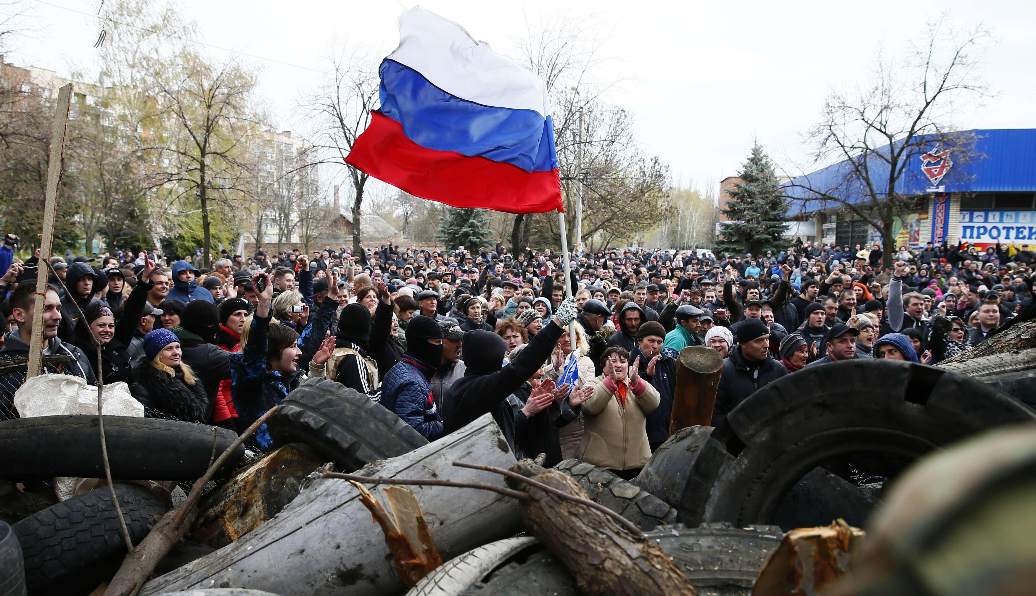 Митинг на месте захвата в Славянске