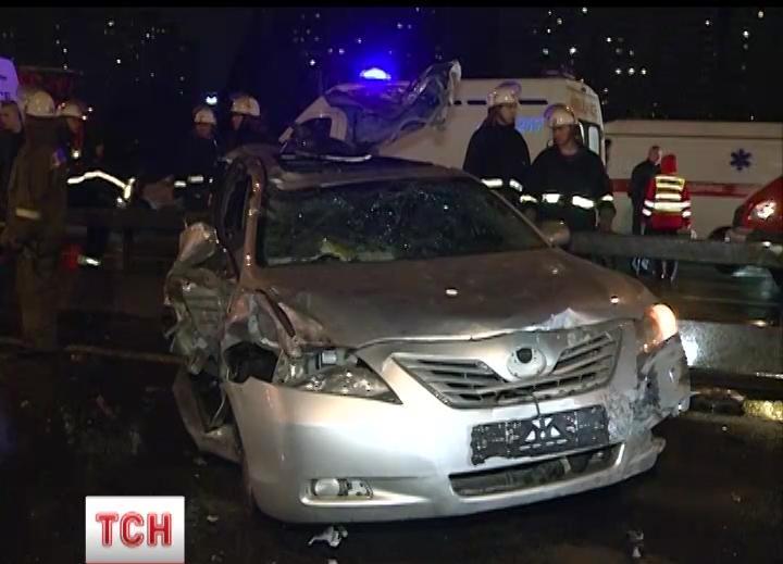 Одна из разбитых в ДТП машин
