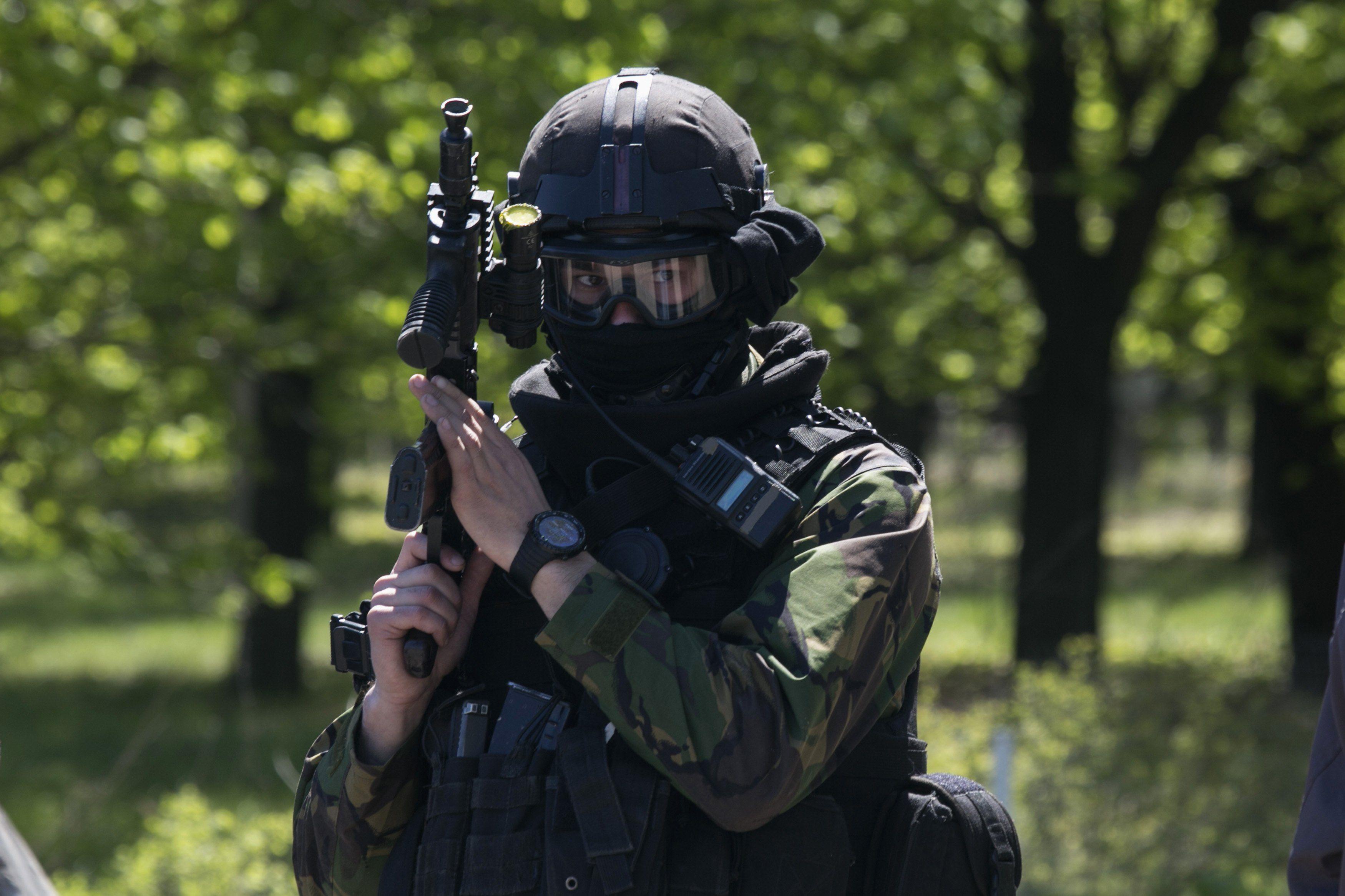 Украинский силовик в Краматорске