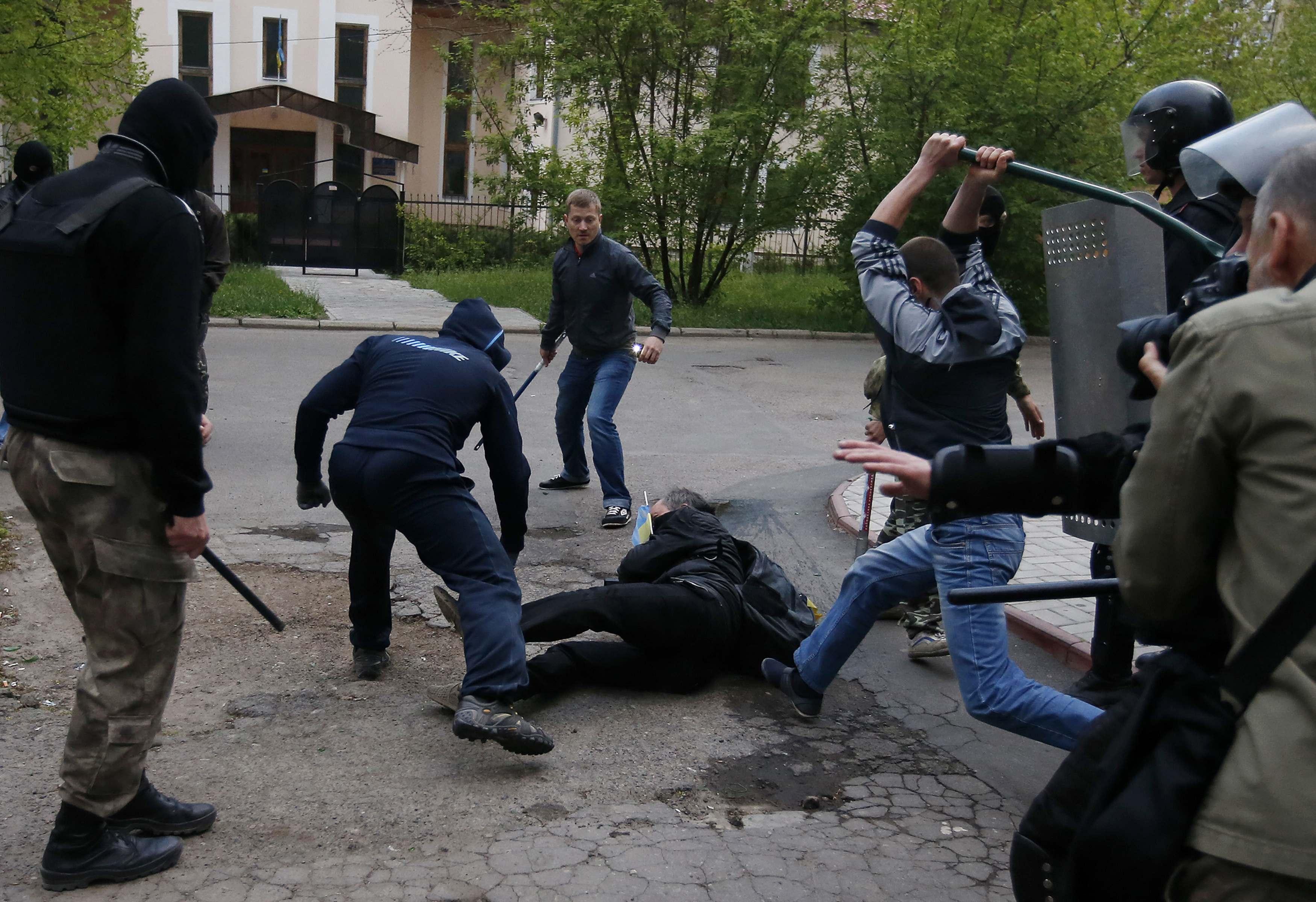 Танкісти бригад ОС проводять навчання в районі відводу - Цензор.НЕТ 3535