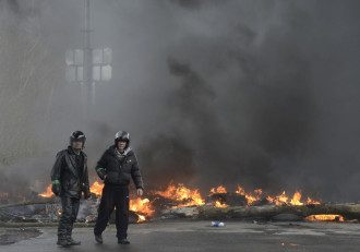 Сепаратисты в Славянске возле КПП.