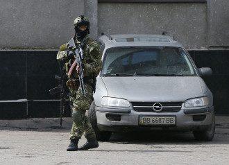 Вооруженный террорист в Славянске