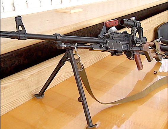 Трофей из Славянска: пулемет Калашникова