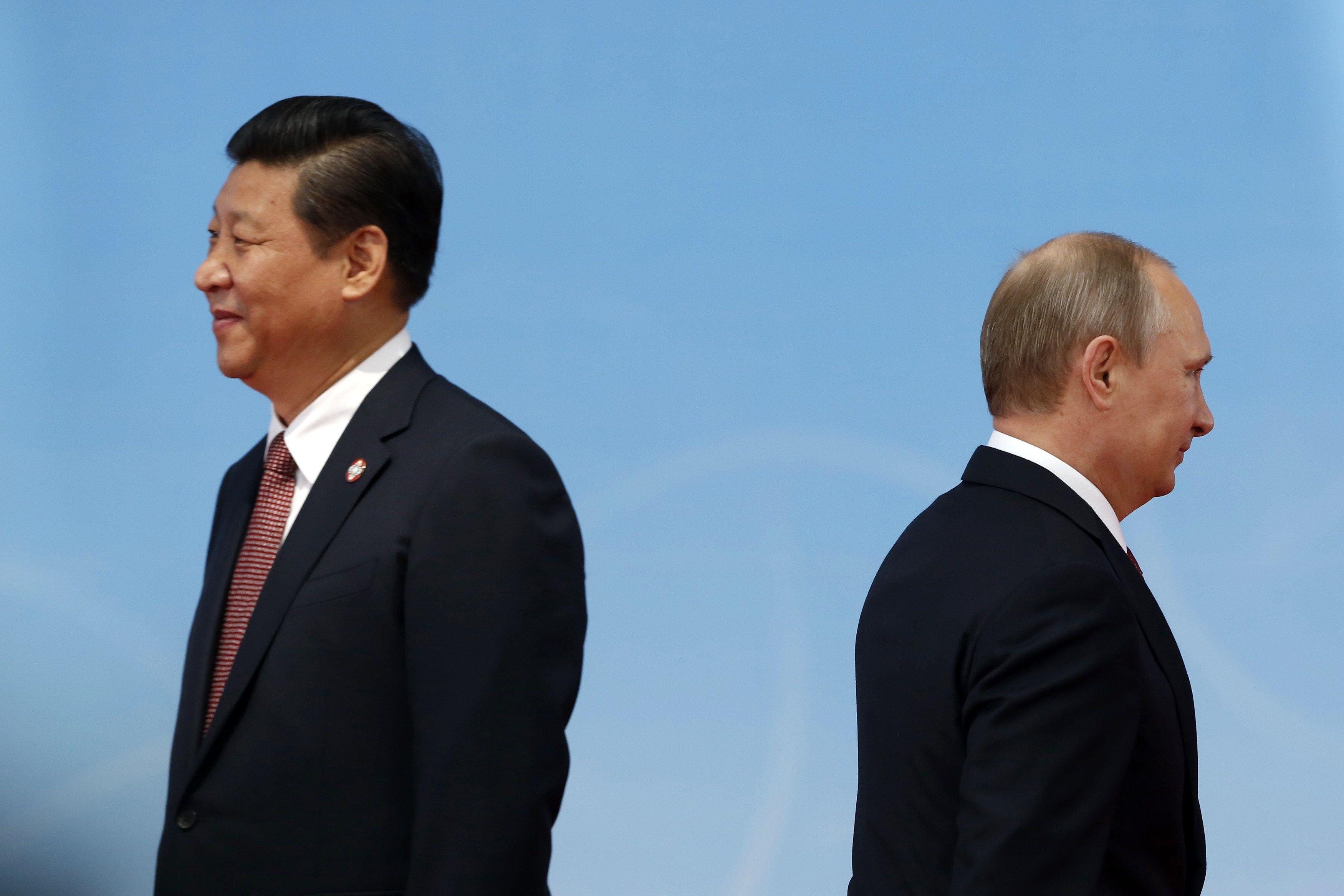 Россию Путин за копейки сдает Китаю
