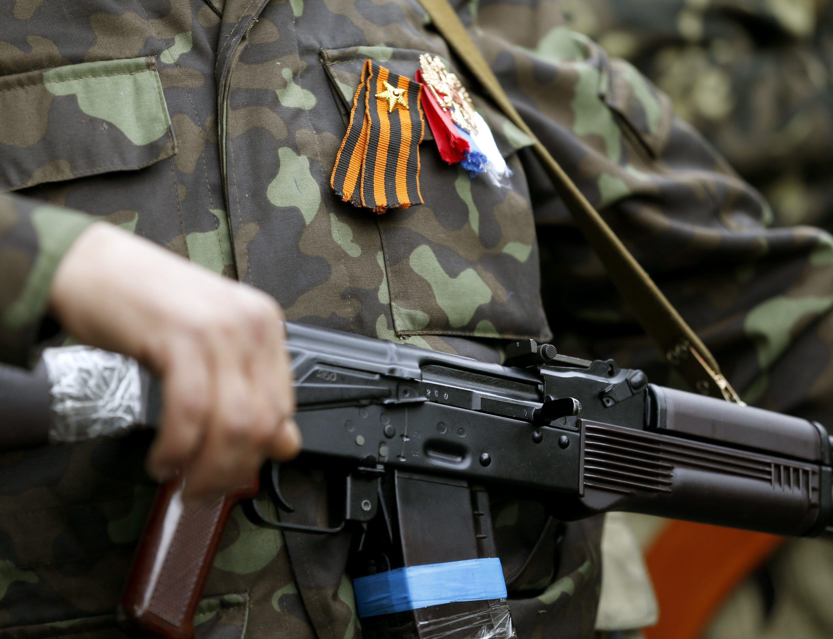 Пророссийский боевик в Луганске