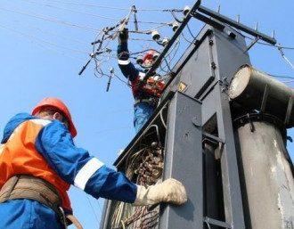 Без электричества остаются более 500 населенных пунктов