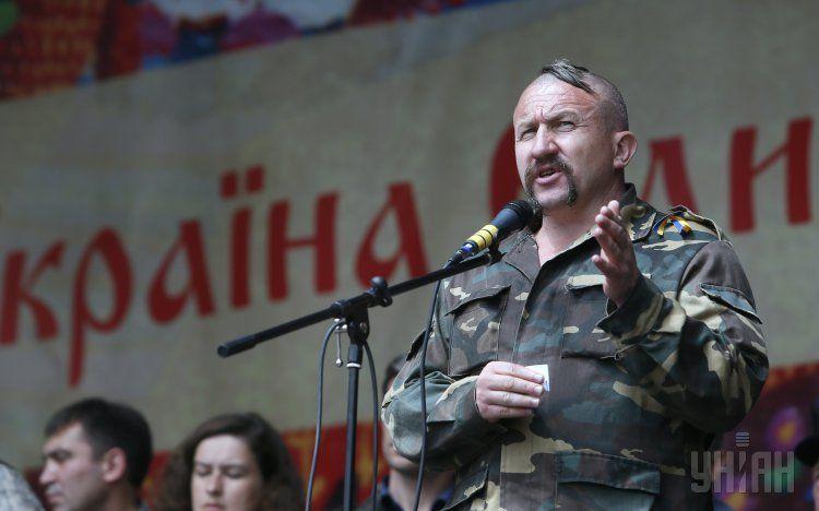 Сотник Николай Бондар вводит