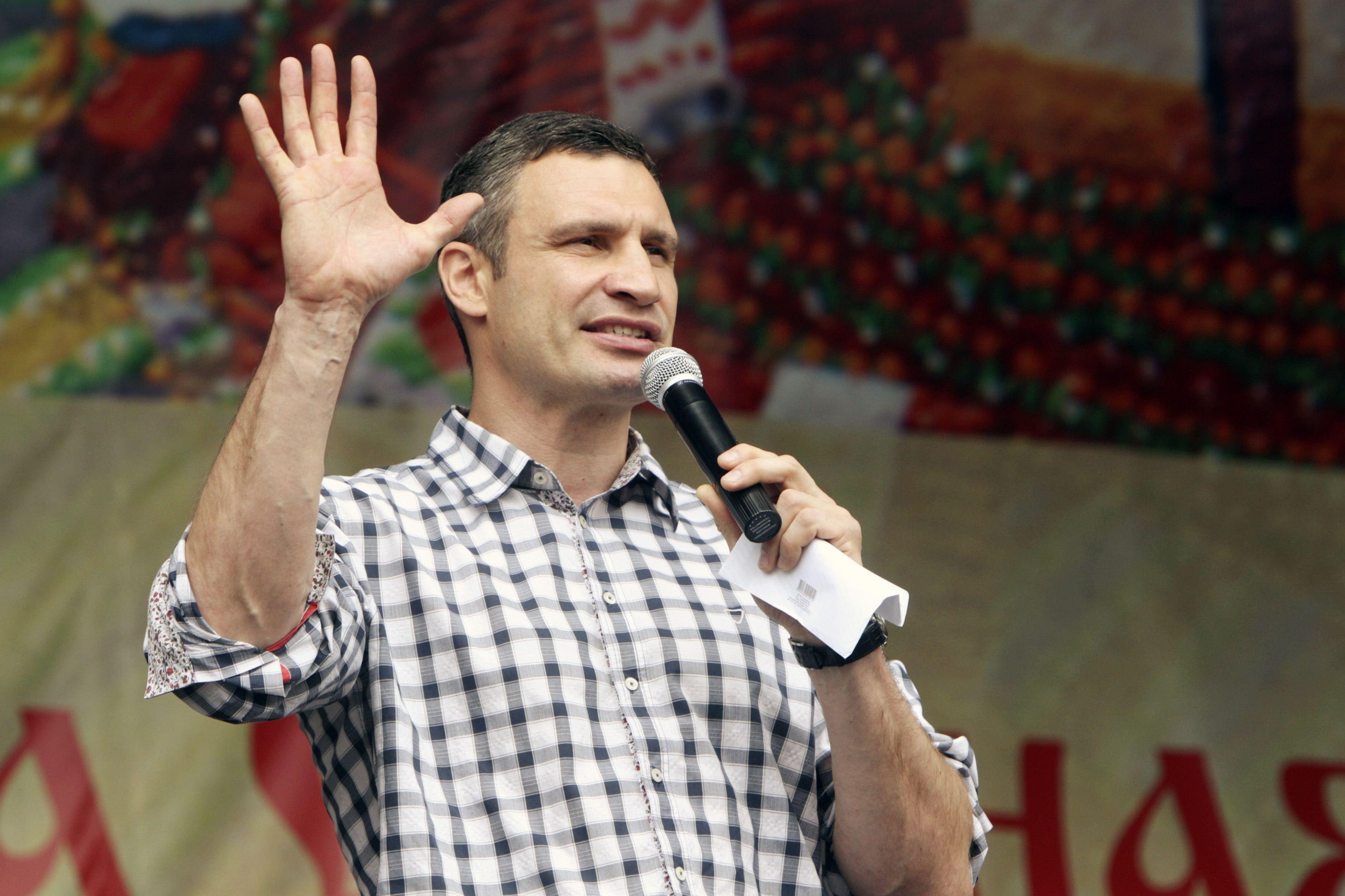 Виталий Кличко на сцене Майдана