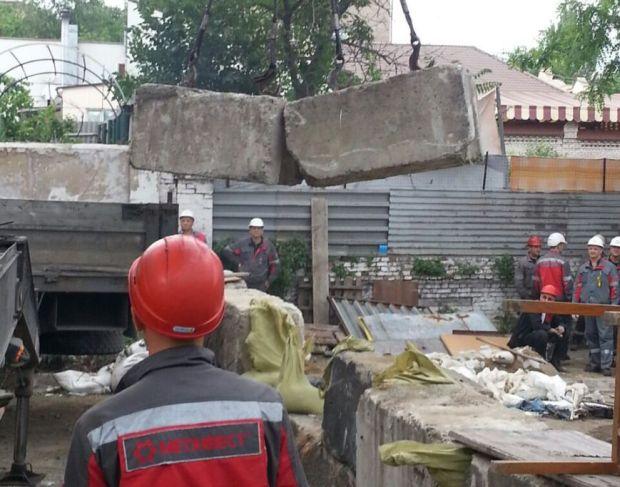 Разбор баррикад в Мариуполе
