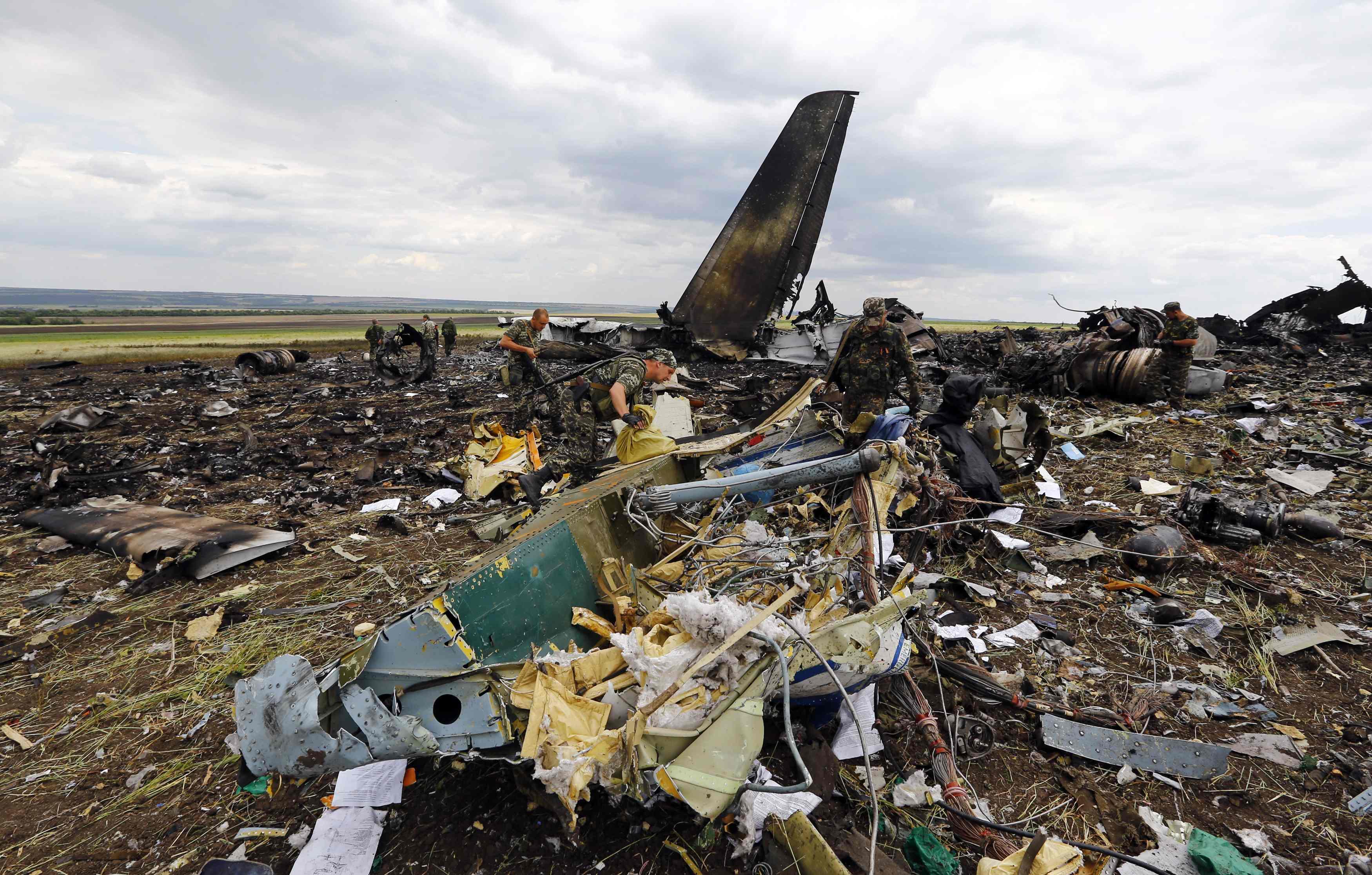 Сбитый самолет над Луганском Ил-76
