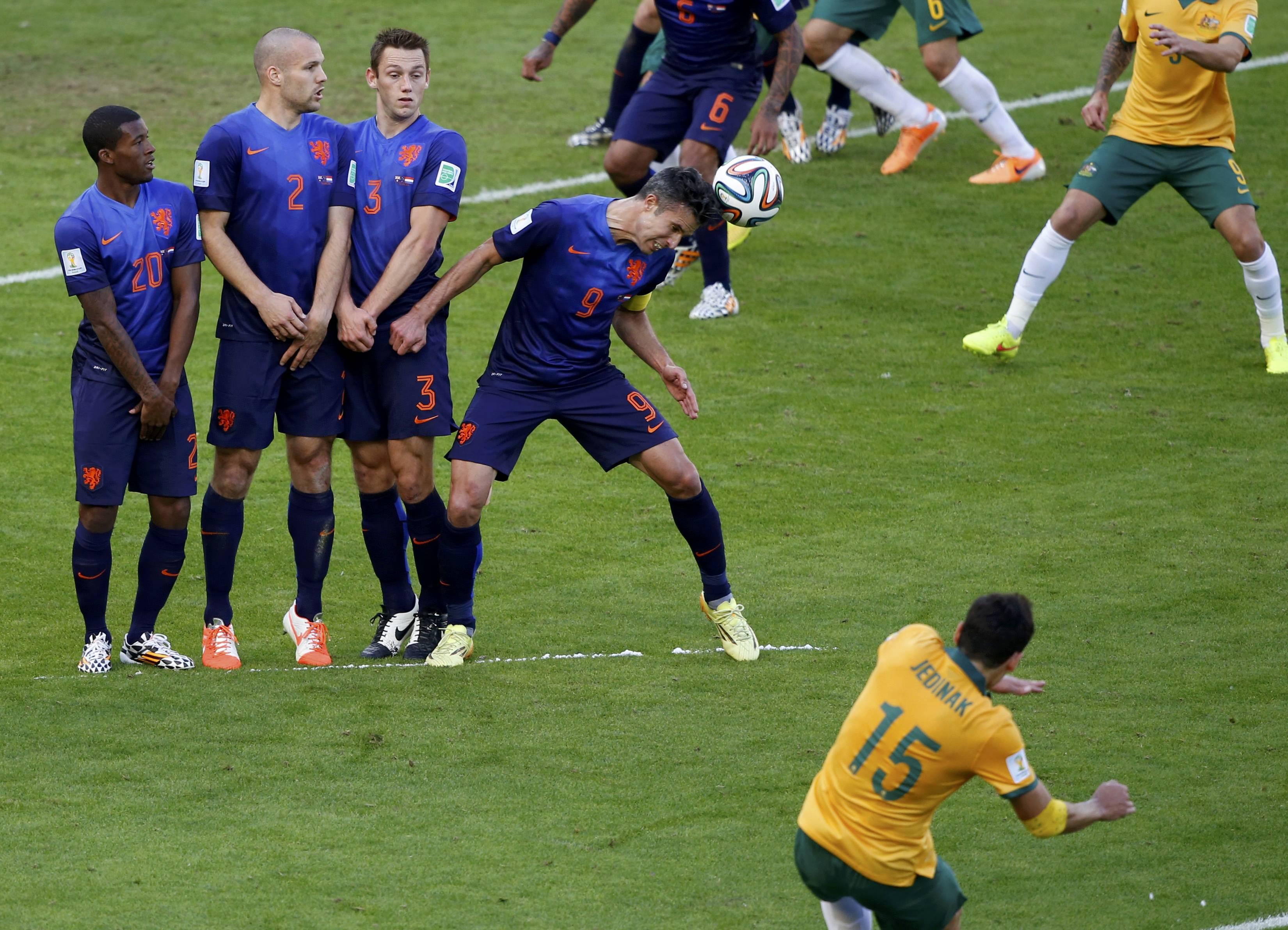 видео футбол испания против австралии даст