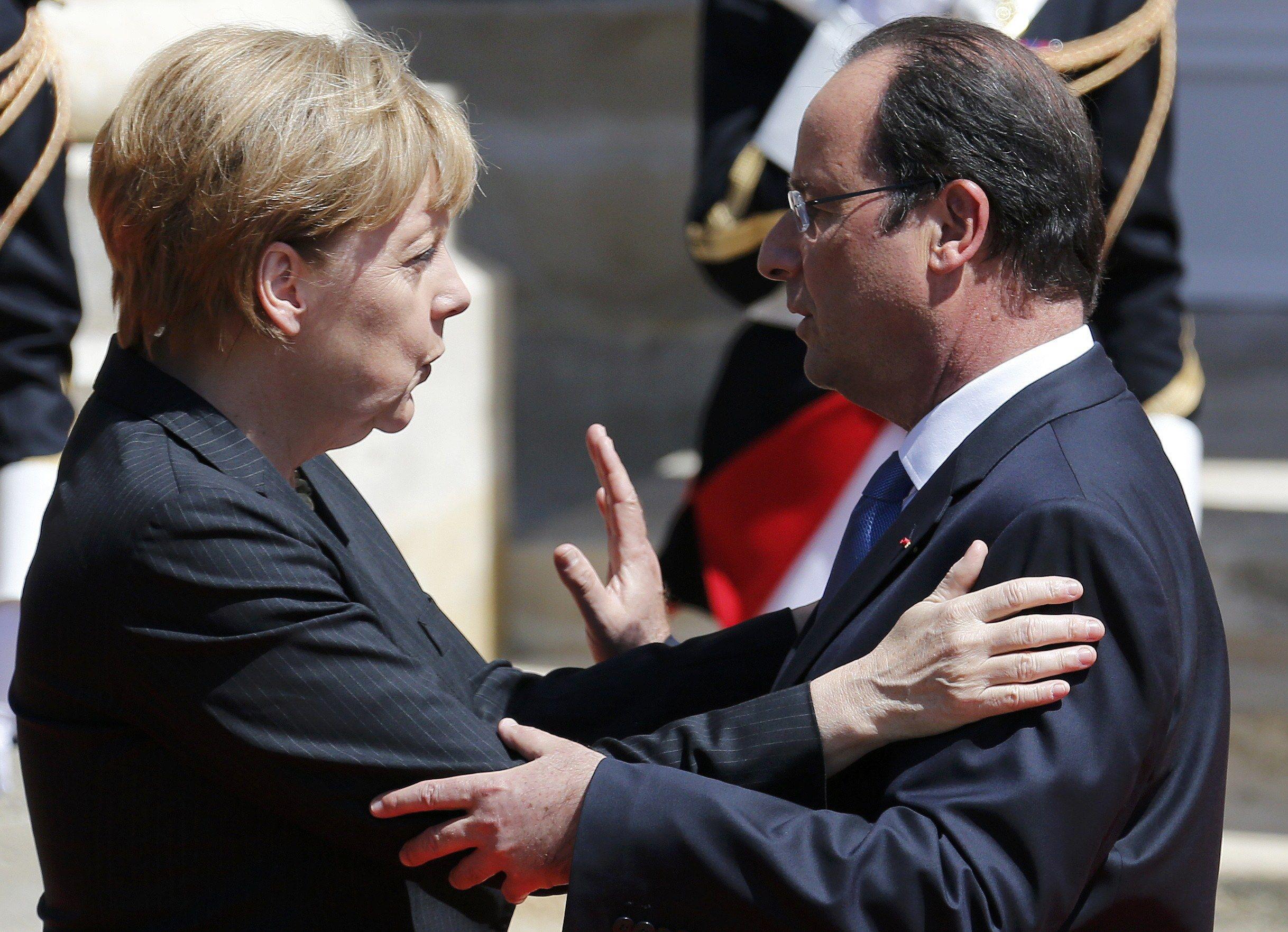 Меркель и Олланд сомневаются в необходимости поездки в Астану