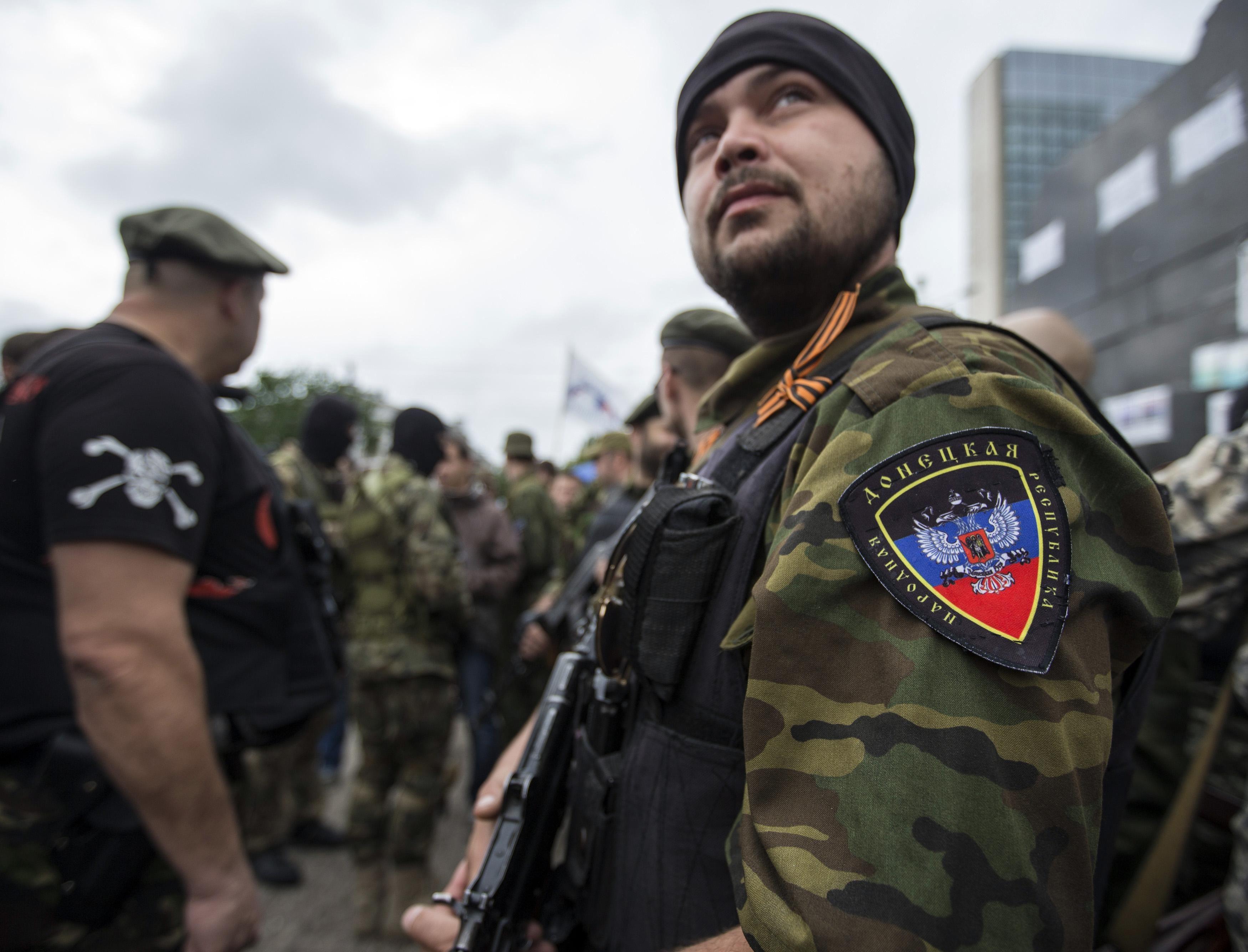 Террористы в Донецке, иллюстрация