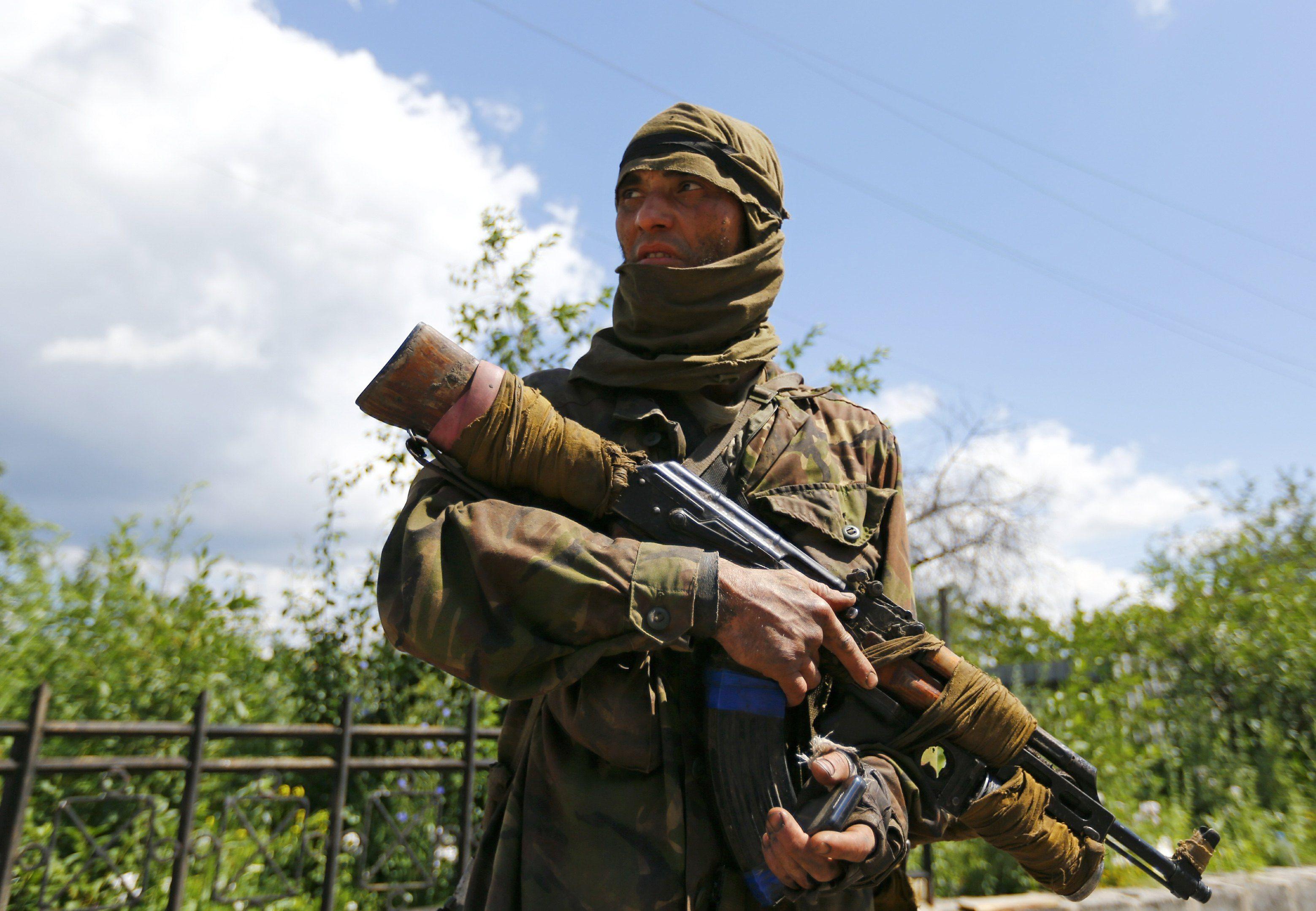 Боевик на Донбассе. Иллюстрация