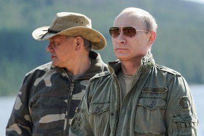 Россией руководит группа уголовников, считает Сотник