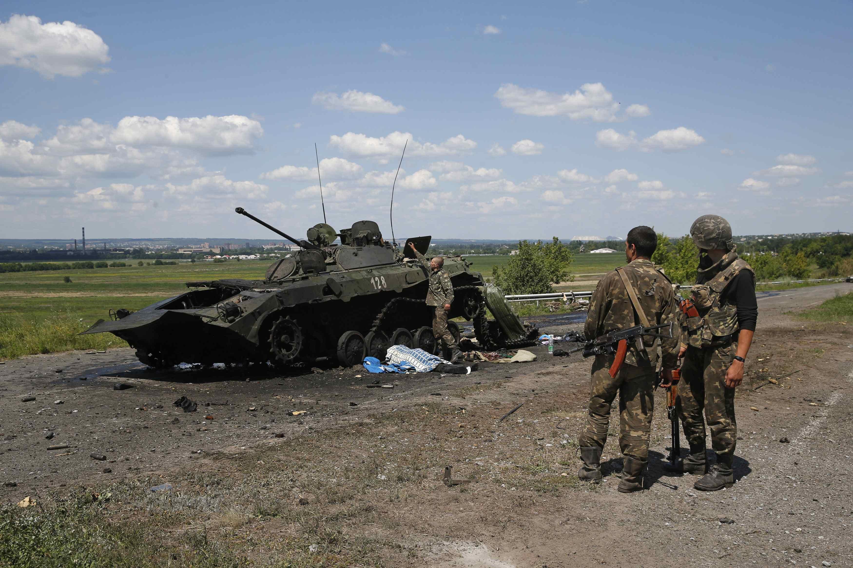 Бронемашины боевиков на Донбассе, иллюстрация