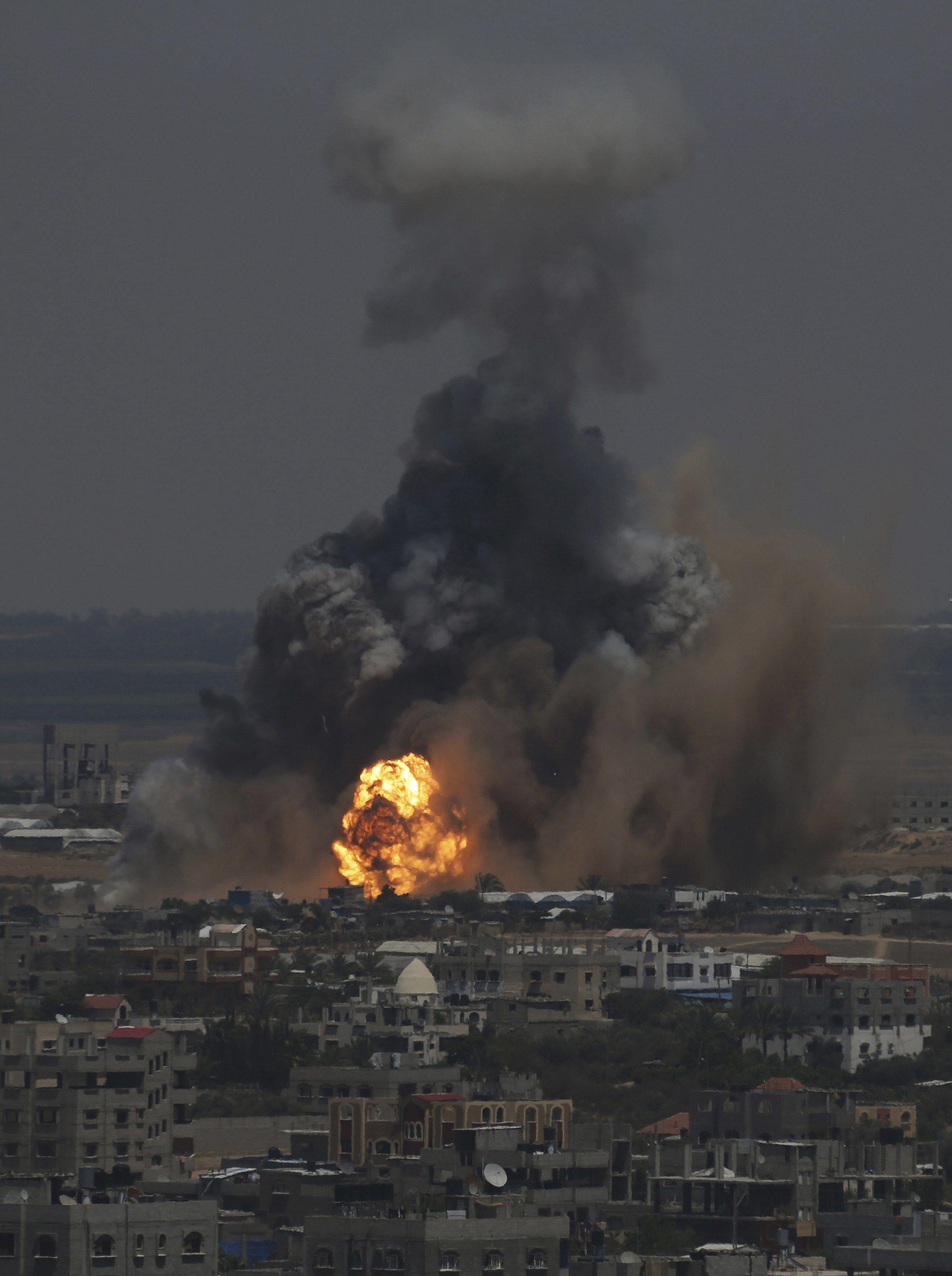 В ответ на массовые ракетные пуски из Сектора Газа по позициям ХАМАС прошлись ВВС ЦАХАЛа