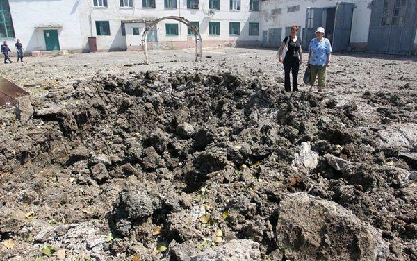 Боевики превращают города в развалины