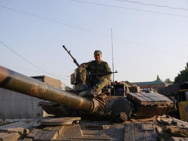 Боевики на танке