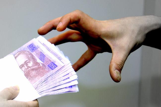 В соцсетях украинцы делятся историями об отказе от взяток