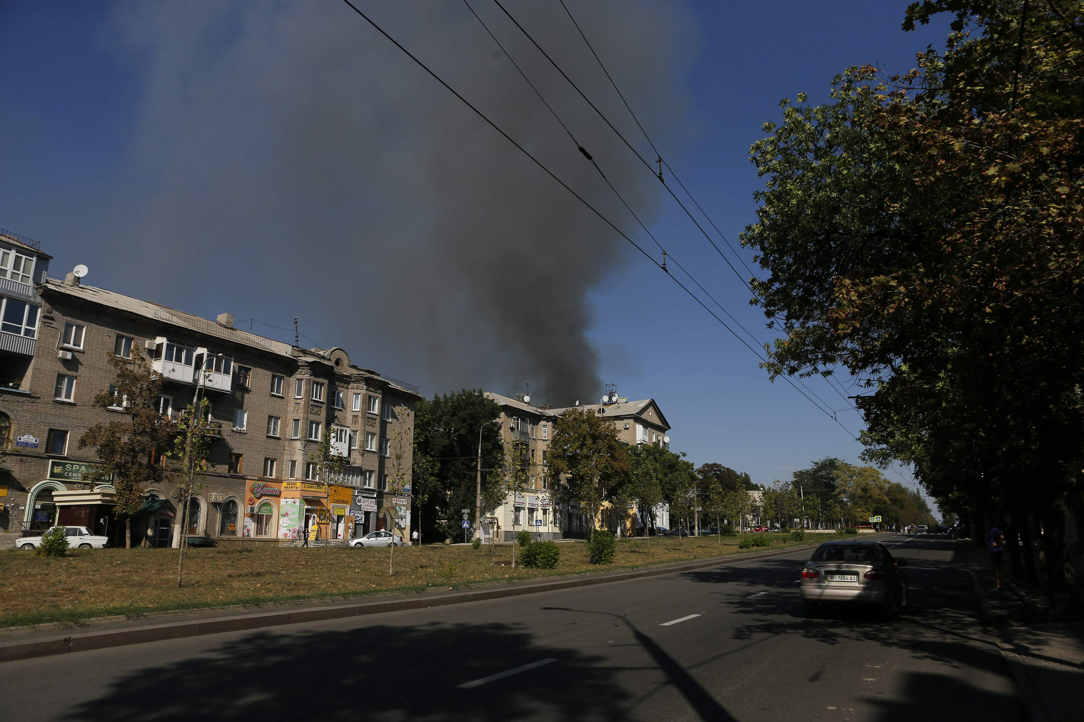 Боевики обстреливают Донецк