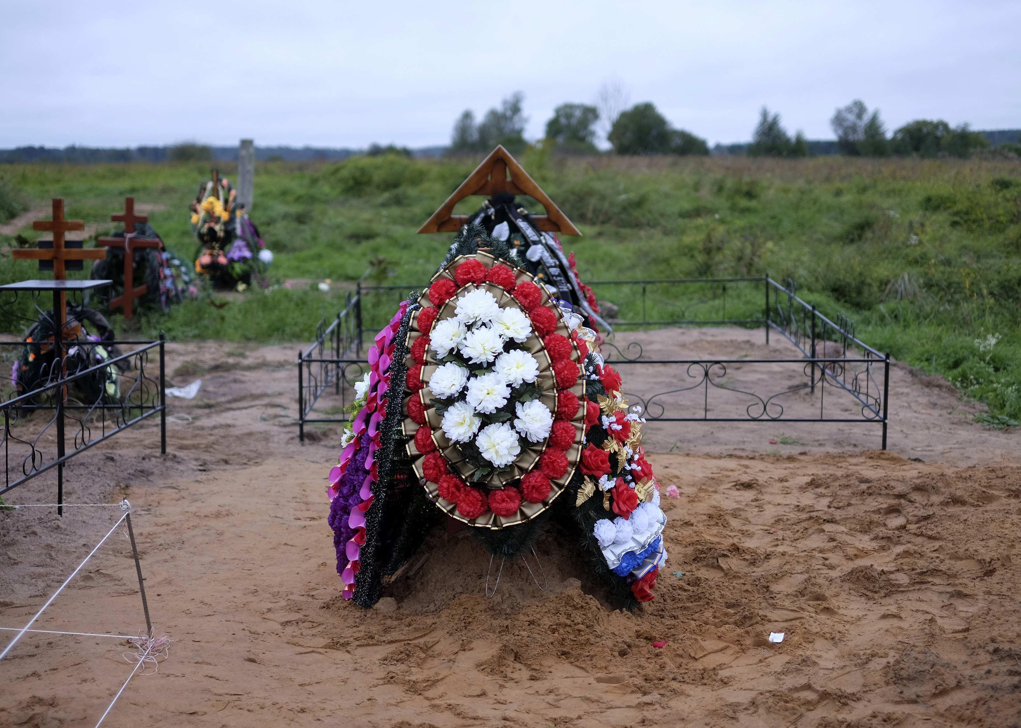 Могила псковского десантника