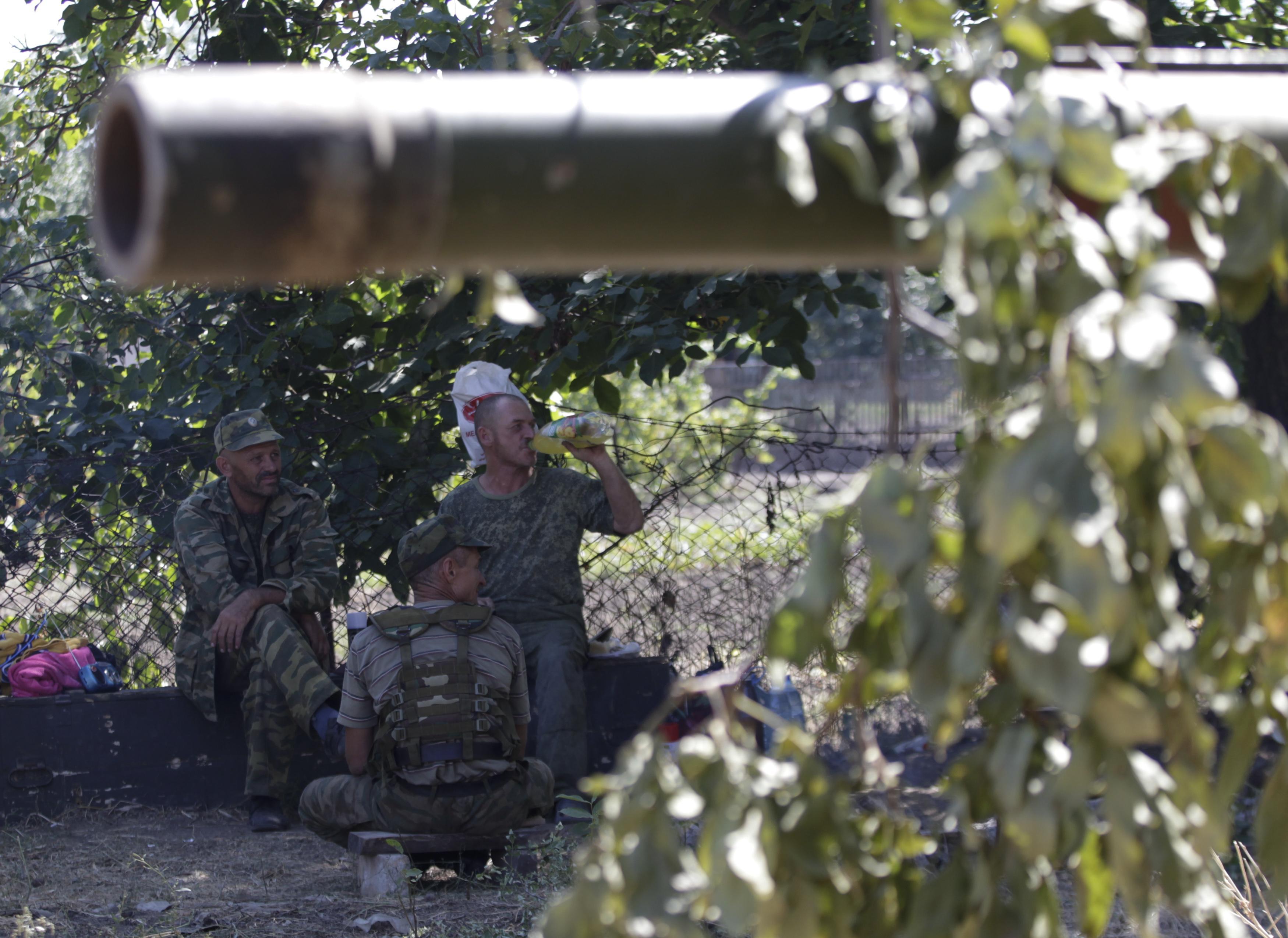 Боевики в Новоазовске, иллюстрация