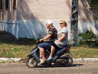 Тепер у Вуглегірську можна не боятися їздити на мопеді